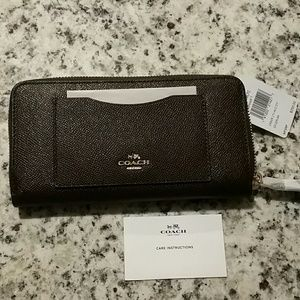 Coach cross-grain Leather Accordion Zip wallet